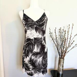 Sofia Vergara Black + White Slip Dress: Medium